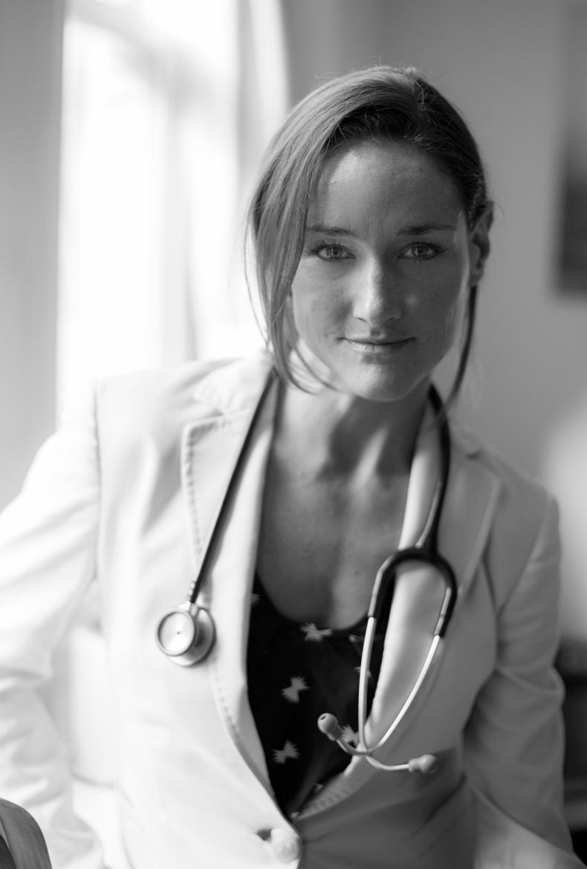 Dr Tasmin Lewis